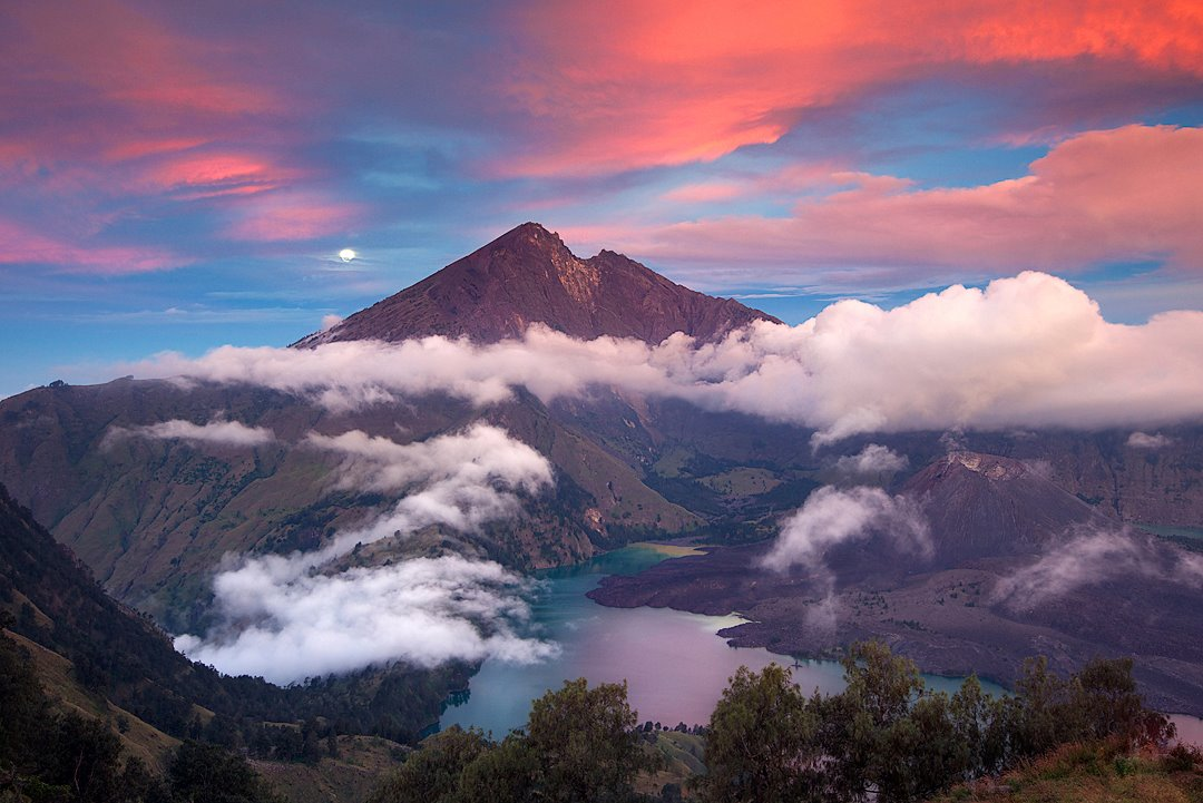 Hiking and Trekking Mount Rinjani Lombok Island Indonesia \u2013 Offers tour packages to climb to