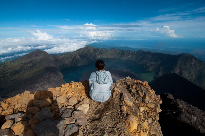 Climbing mount rinjani package lombok island indonesia about us - Summit Of Mount Rinjani 3726m