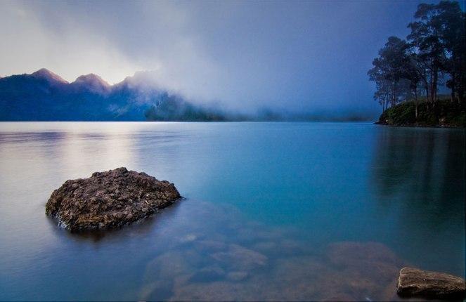 Lake Segara Anak of Mount Rinjani 2000m - Trekking Rinjani