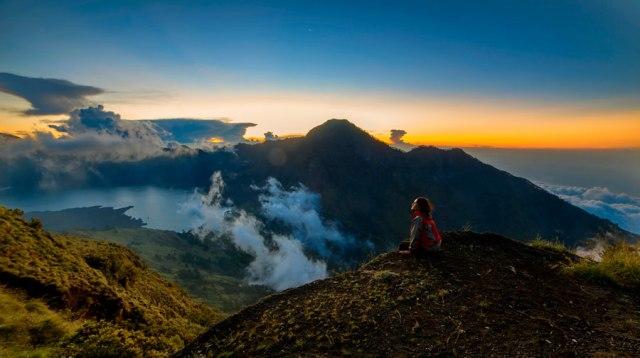Plawangan Sembalun Crater Rim altitude 2639m
