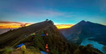 Plawangan Senaru altitude 2641 m - Trekking Rinjani