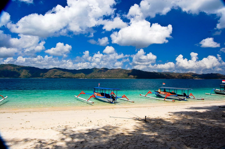 how to get to lili gili island indonesia