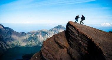 Plawangan Sembalun crater rim altitude 3000 meters Mount Rinjani