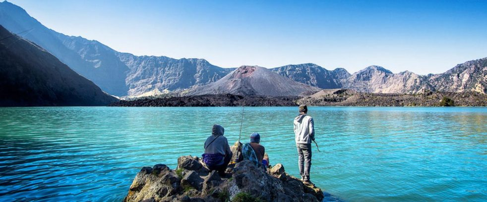 Lake Segara Anak altitude 2000 meters mount Rinjani