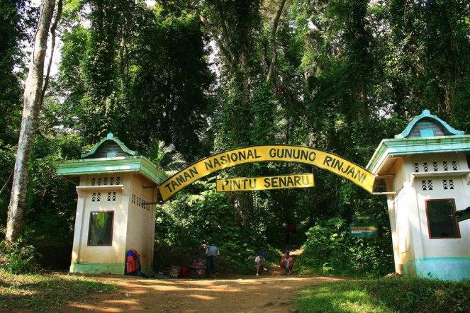 Senaru Village - Gate altitude 600 meters Mount Rinjani